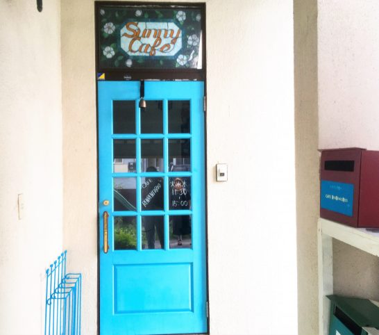 カフェのドア