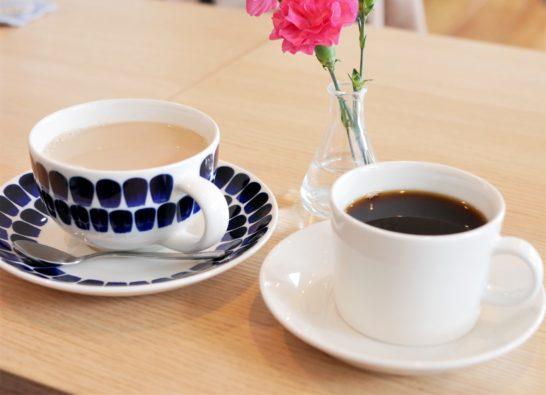 ホットコーヒーとカフェオレ